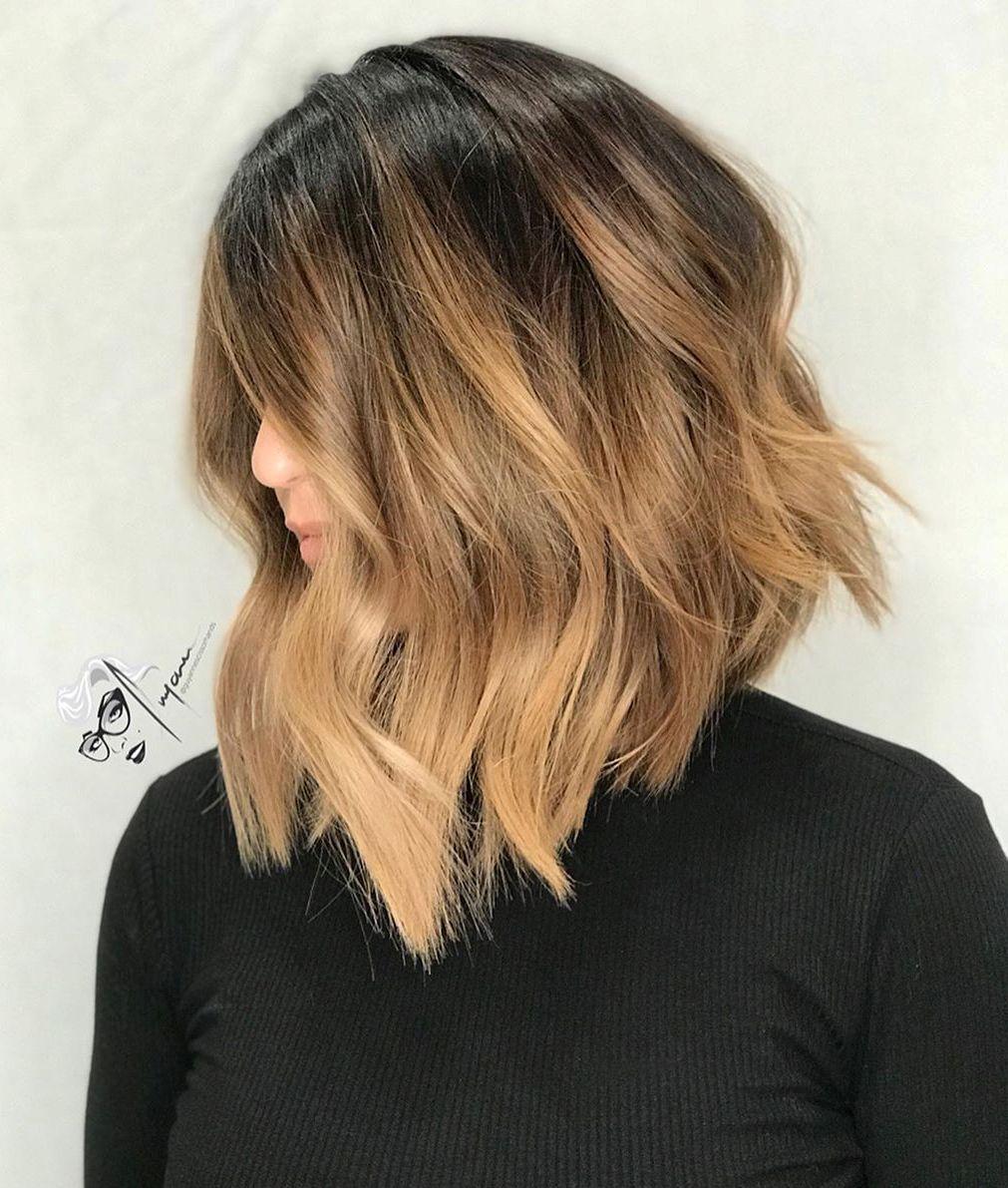 Taglio di capelli A-Line con onde