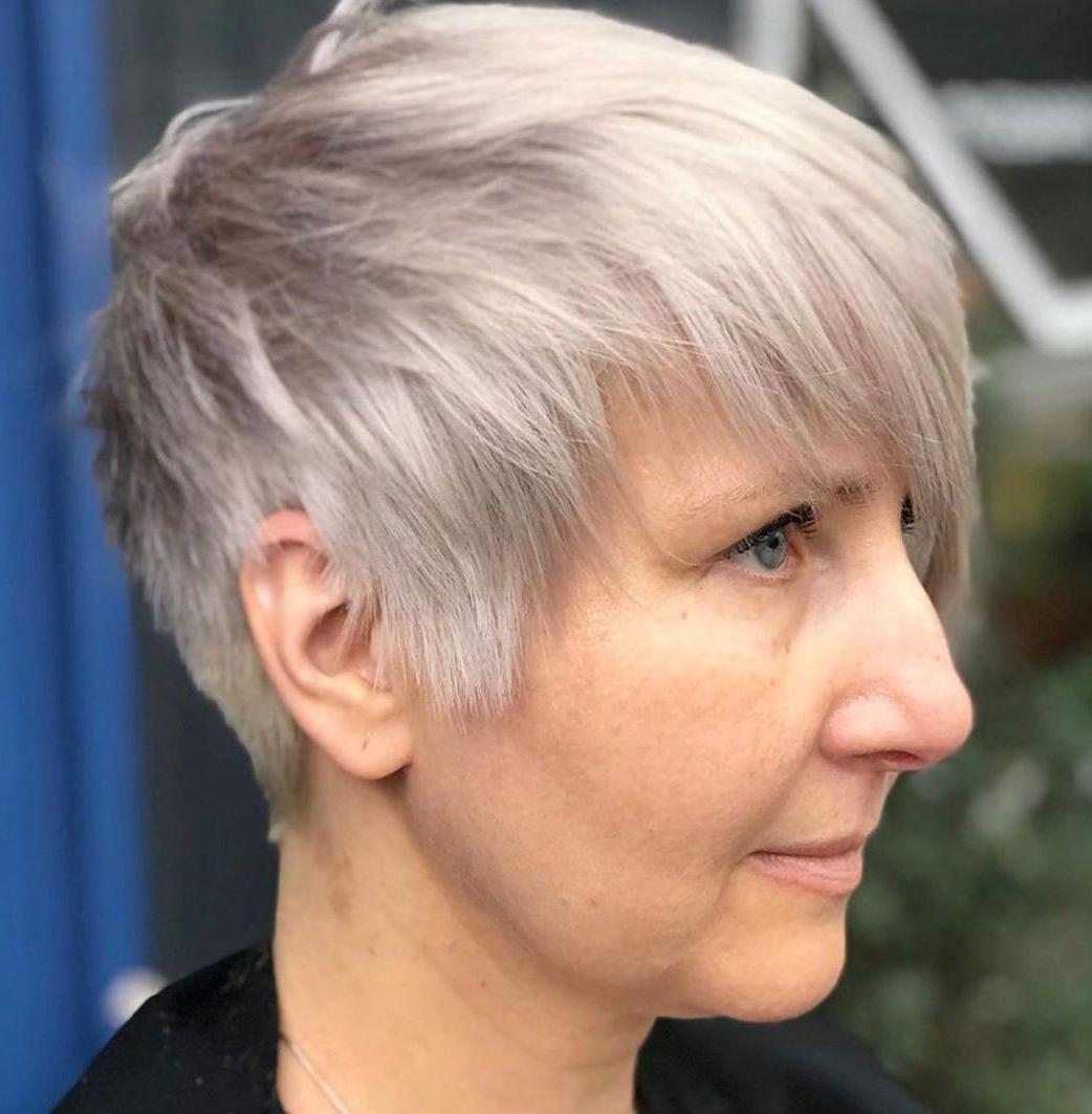 Platinum Pixie per capelli lisci